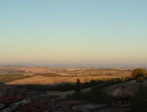 aftenstemning på vingården i Toscana